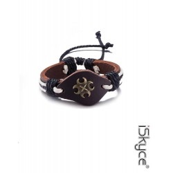Unisex bracelet Mode in form of X leather strap with clasp lace knitting. Treat
